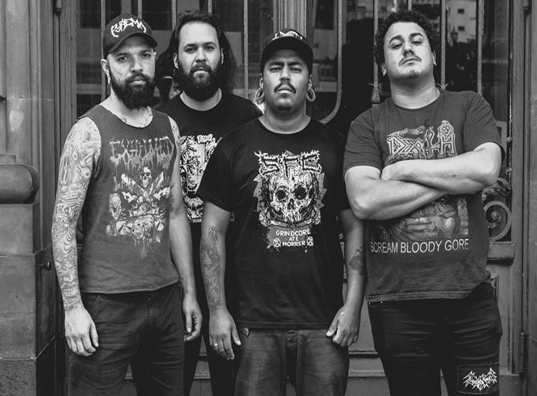 """XICO PICADINHO Banda de Grindcore/Death Metal formada em 2008 em São Paulo/SP, com fortes influências de Black Metal e Crustpunk. Após uma demo, 5 way, o EP """"Hecatombe Canibal, Líbidos Prazeres Lúgubres desejos"""", lançamos recentemente o EP """"Ode Ao Apodrecimento"""